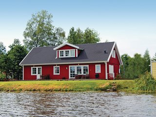 Stunning home in Stensjon w/ 5 Bedrooms