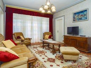 Beautiful home in Split w/ WiFi and 3 Bedrooms (CDT967)