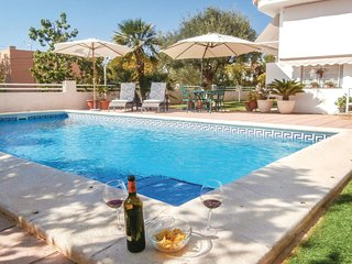 Awesome home in Cartagena w/ WiFi, 2 Bedrooms and Outdoor swimming pool