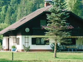 Awesome home in Obertraun w/ 4 Bedrooms