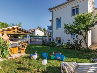 Beautiful home in Savudrija w/ WiFi and 2 Bedrooms