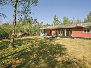 Awesome home in Aakirkeby w/ 3 Bedrooms and WiFi