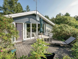 Stunning home in Hadsund w/ WiFi and 2 Bedrooms