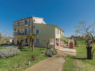 Amazing home in Fazana w/ WiFi and 3 Bedrooms