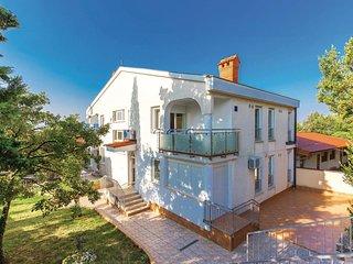 Stunning home in Novi Vinodolski w/ WiFi and 2 Bedrooms