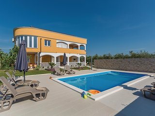 Nice home in Novigrad w/ WiFi and 1 Bedrooms