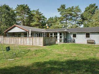Stunning home in Hadsund w/ Sauna and 4 Bedrooms