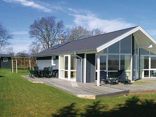 Nice home in Hadsund w/ Sauna, WiFi and 3 Bedrooms