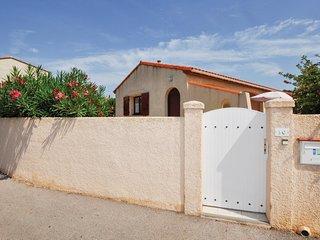 Nice home in Sainte Marie Plage w/ 2 Bedrooms