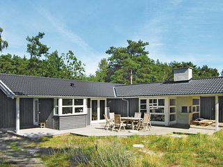 Amazing home in Aakirkeby w/ Sauna, WiFi and 3 Bedrooms (I52614)