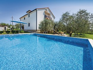 Nice home in Polaca w/ WiFi and 4 Bedrooms (CDZ105)
