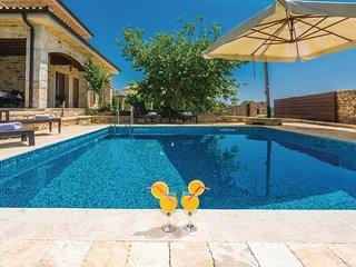 Ruim vakantiehuis met zwembad voor de hele familie