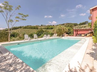 Nice home in Perugia -PG- w/ 3 Bedrooms (IUP366)