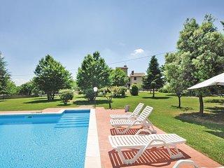 Stunning apartment in Monte S.M.Tiberina PG w/ 2 Bedrooms, Outdoor swimming pool