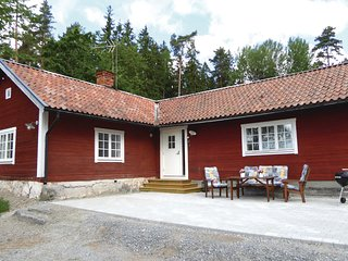 Awesome home in Stjärnhov w/ WiFi and 2 Bedrooms