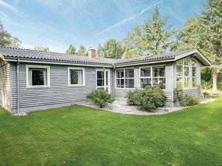 Nice home in Storvorde w/ Sauna, WiFi and 4 Bedrooms (D6301)