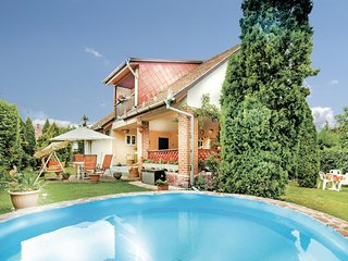 Nice home in Balatonalmadi w/ WiFi and 3 Bedrooms
