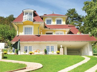 Beautiful home in Balatongyörök w/ WiFi and 2 Bedrooms