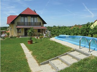 Awesome home in Balatongyörök w/ WiFi and 6 Bedrooms