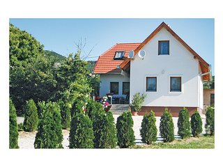 Nice home in Balatongyörök w/ 2 Bedrooms