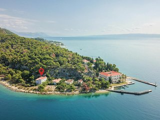 Beautiful home in Split w/ WiFi and 3 Bedrooms (CDF264)