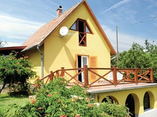 Amazing home in Balatongyörök w/ 2 Bedrooms