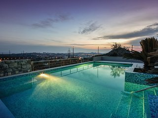 Beautiful home in Mravince w/ WiFi and 2 Bedrooms