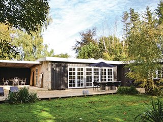 Beautiful home in Gilleleje w/ WiFi and 3 Bedrooms (G4323)