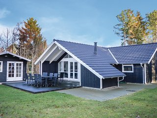 Nice home in Frederiksvaerk w/ Sauna, WiFi and 5 Bedrooms