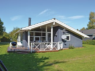 Awesome home in Gilleleje w/ Sauna, WiFi and 3 Bedrooms (G4384)