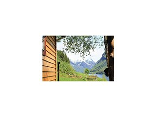 Beautiful home in Fjærland w/ 3 Bedrooms