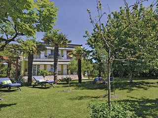 Beautiful home in Medulin with WiFi and 3 Bedrooms (CIM168)