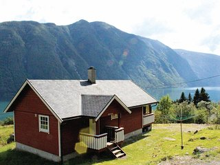 Stunning home in Fjærland w/ 2 Bedrooms