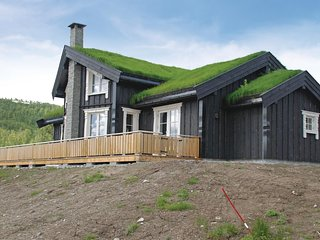 Amazing home in Sogndal w/ Sauna, WiFi and 4 Bedrooms