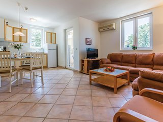 Amazing home in Medulin with 1 Bedrooms (CIM242)