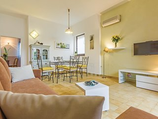 Awesome home in Medulin with WiFi and 2 Bedrooms (CIM213)