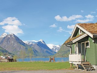 Awesome home in Fjærland w/ 2 Bedrooms