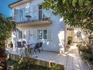 Beautiful home in Selce w/ WiFi and 3 Bedrooms (CKA095)