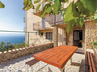 Amazing home in Mimice w/ WiFi and 4 Bedrooms (CDT585)