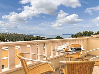 Stunning home in Makarska w/ WiFi and 1 Bedrooms