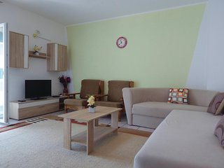 Awesome home in Split w/ WiFi and 3 Bedrooms