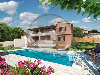Stunning home in Primorski Dolac w/ WiFi and 4 Bedrooms