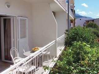 Nice home in Makarska with WiFi and 2 Bedrooms (CDT791)