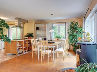 Nice home in Uslar w/ WiFi and 4 Bedrooms (DWE137)