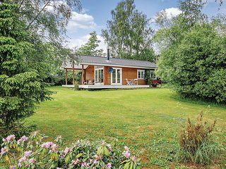 Awesome home in Grevinge w/ 3 Bedrooms