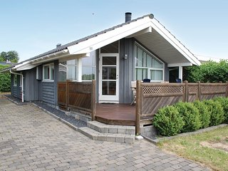 Amazing home in Rønde w/ 2 Bedrooms (D50178)