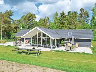 Beautiful home in Rønde w/ Sauna, WiFi and 4 Bedrooms (D55655)