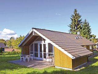 Beautiful home in Kirke Hyllinge w/ 2 Bedrooms