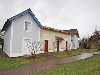 Awesome home in Marciac w/ Outdoor swimming pool and 2 Bedrooms