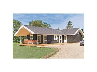 Nice home in Hadsund w/ WiFi and 3 Bedrooms (D6069)